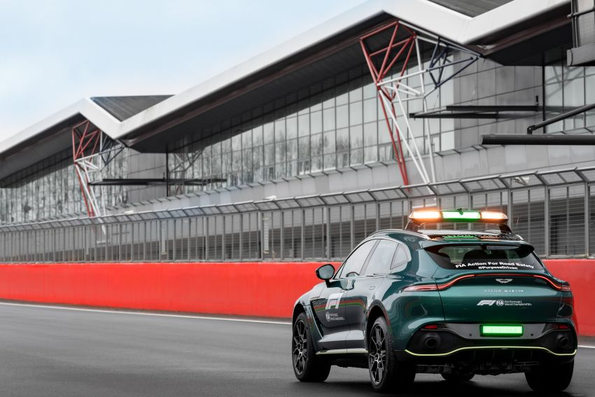 Aston Martin Vantage and DBX revealed as official Formula 1 safety and medical cars for 2021 season Image #1259335