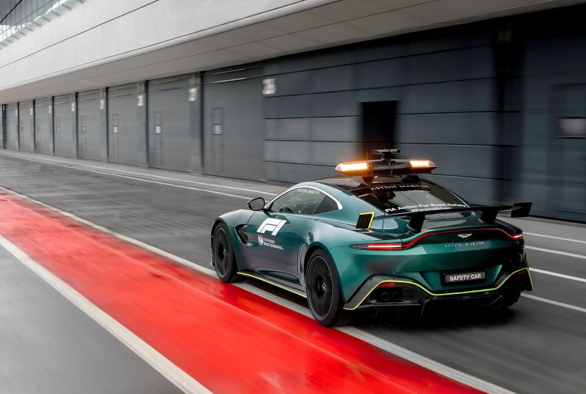 Aston Martin Vantage and DBX revealed as official Formula 1 safety and medical cars for 2021 season Image #1259305