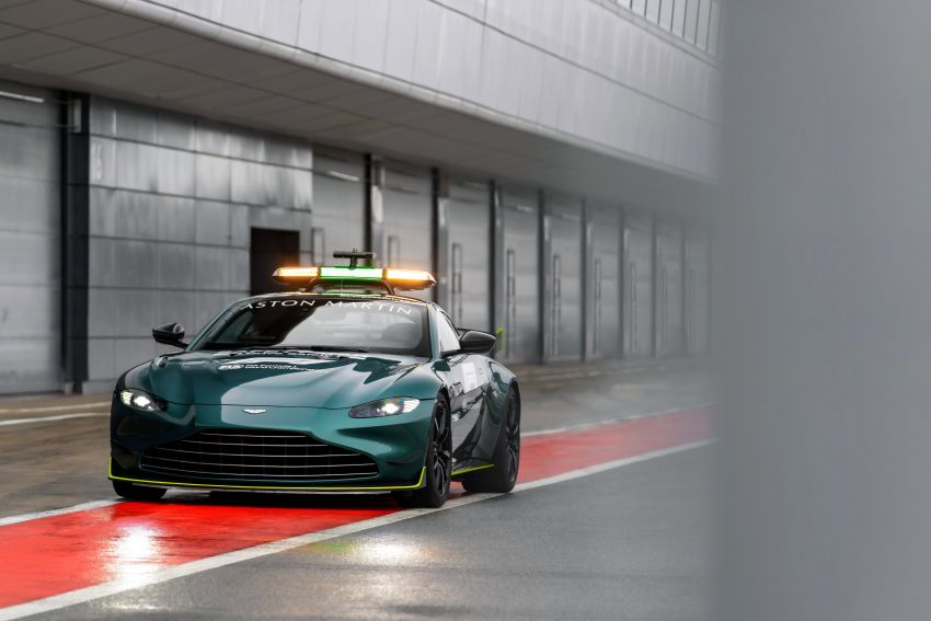 Aston Martin Vantage and DBX revealed as official Formula 1 safety and medical cars for 2021 season Image #1259307