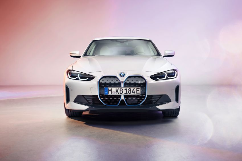 BMW i4 electric 4-door coupé revealed in first photos Image #1264695