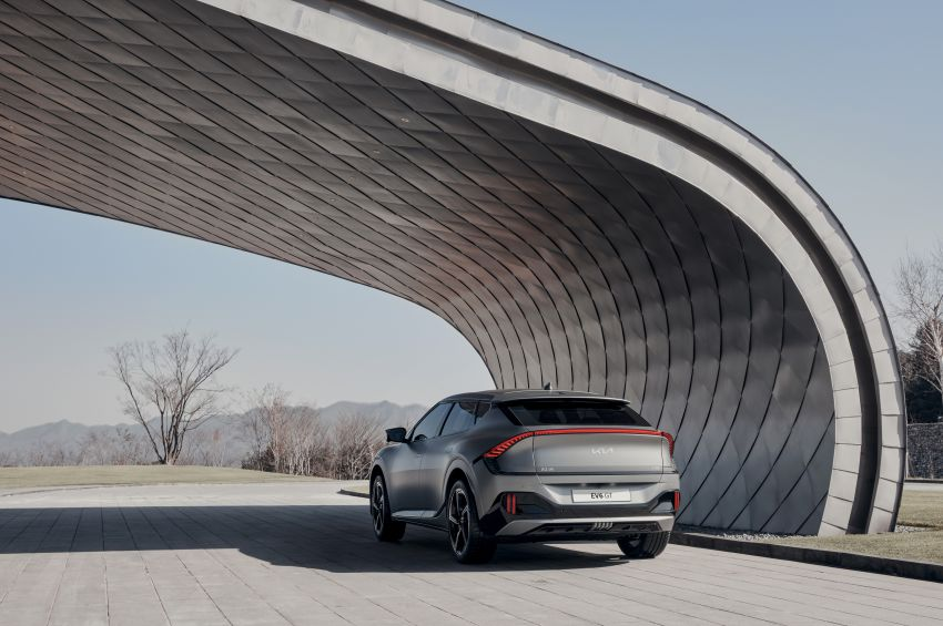 Kia EV6 debuts  – 800V architecture fast-charging to 80% in 18 mins, up to 510 km range, 0-100 km/h in 3.5 s Image #1271658