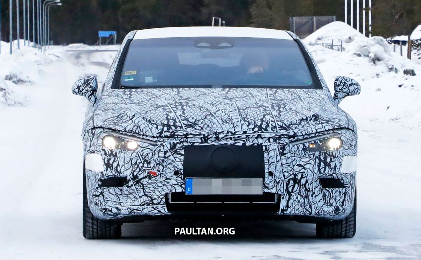 SPIED: Mercedes-Benz EQE with less camouflage Image #1265720
