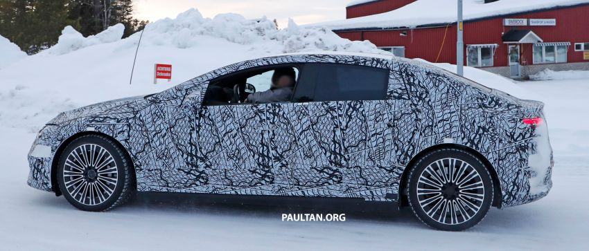 SPIED: Mercedes-Benz EQE with less camouflage Image #1265729
