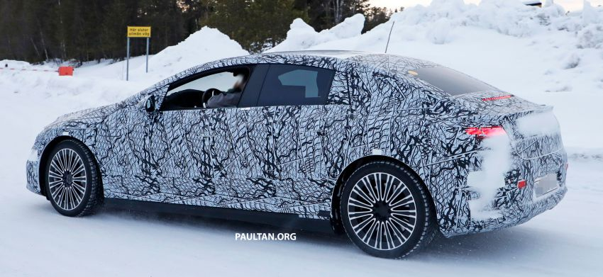 SPIED: Mercedes-Benz EQE with less camouflage Image #1265730