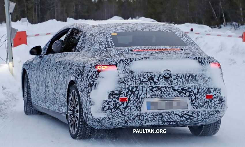SPIED: Mercedes-Benz EQE with less camouflage Image #1265734
