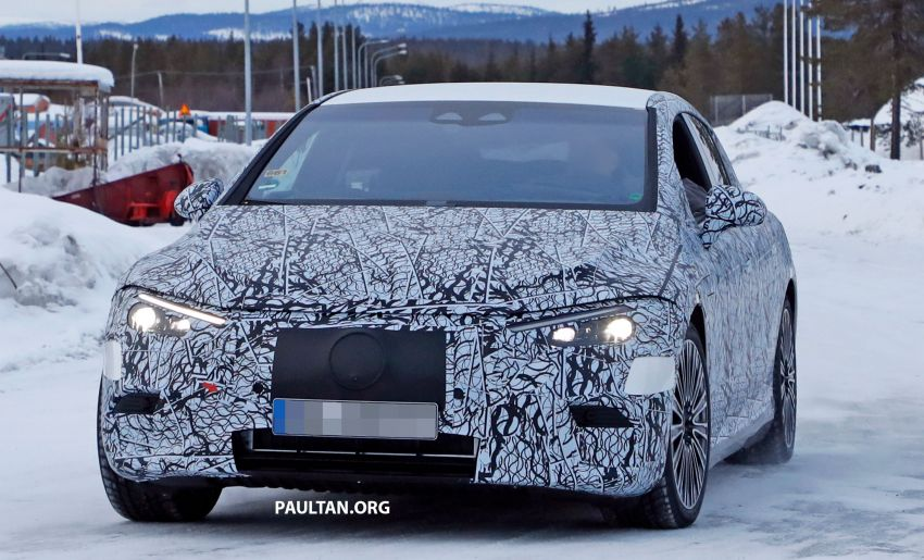SPIED: Mercedes-Benz EQE with less camouflage Image #1265722