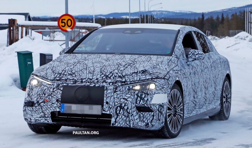 SPIED: Mercedes-Benz EQE with less camouflage Image #1265723