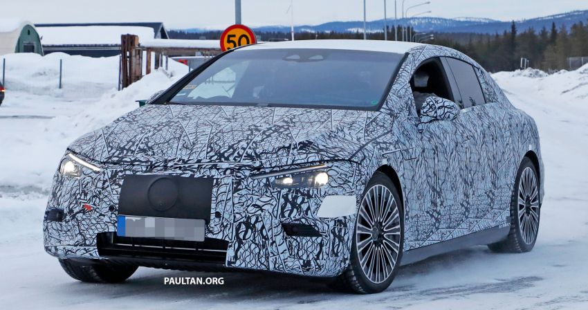SPIED: Mercedes-Benz EQE with less camouflage Image #1265724