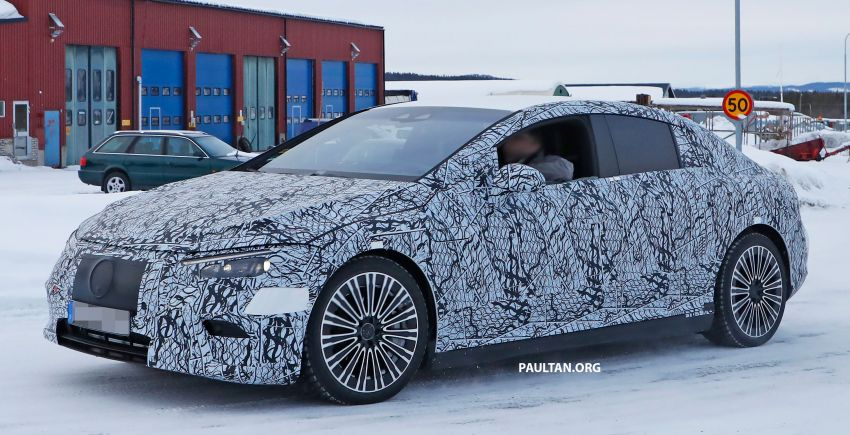 SPIED: Mercedes-Benz EQE with less camouflage Image #1265726