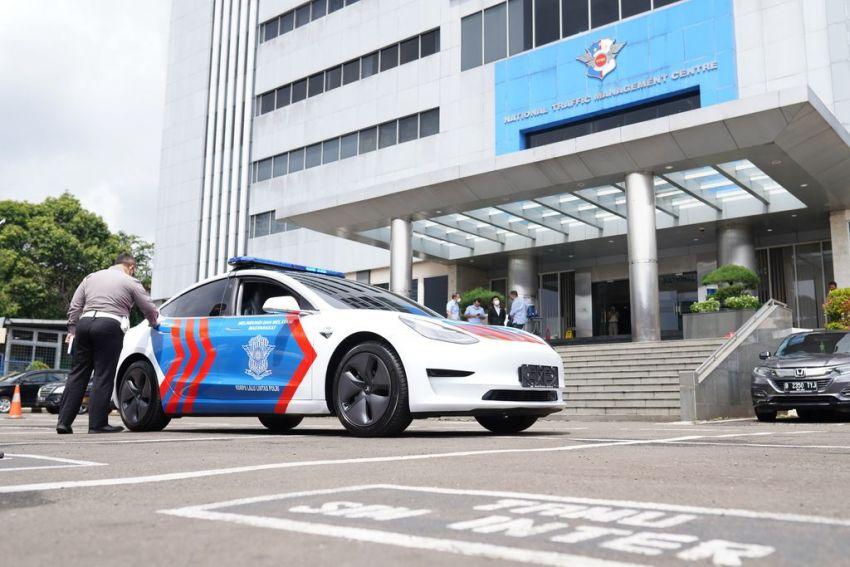 Tesla Model 3, Hyundai Kona Electric join Indonesian National Police fleet as patrol and escort vehicles Image #1255957