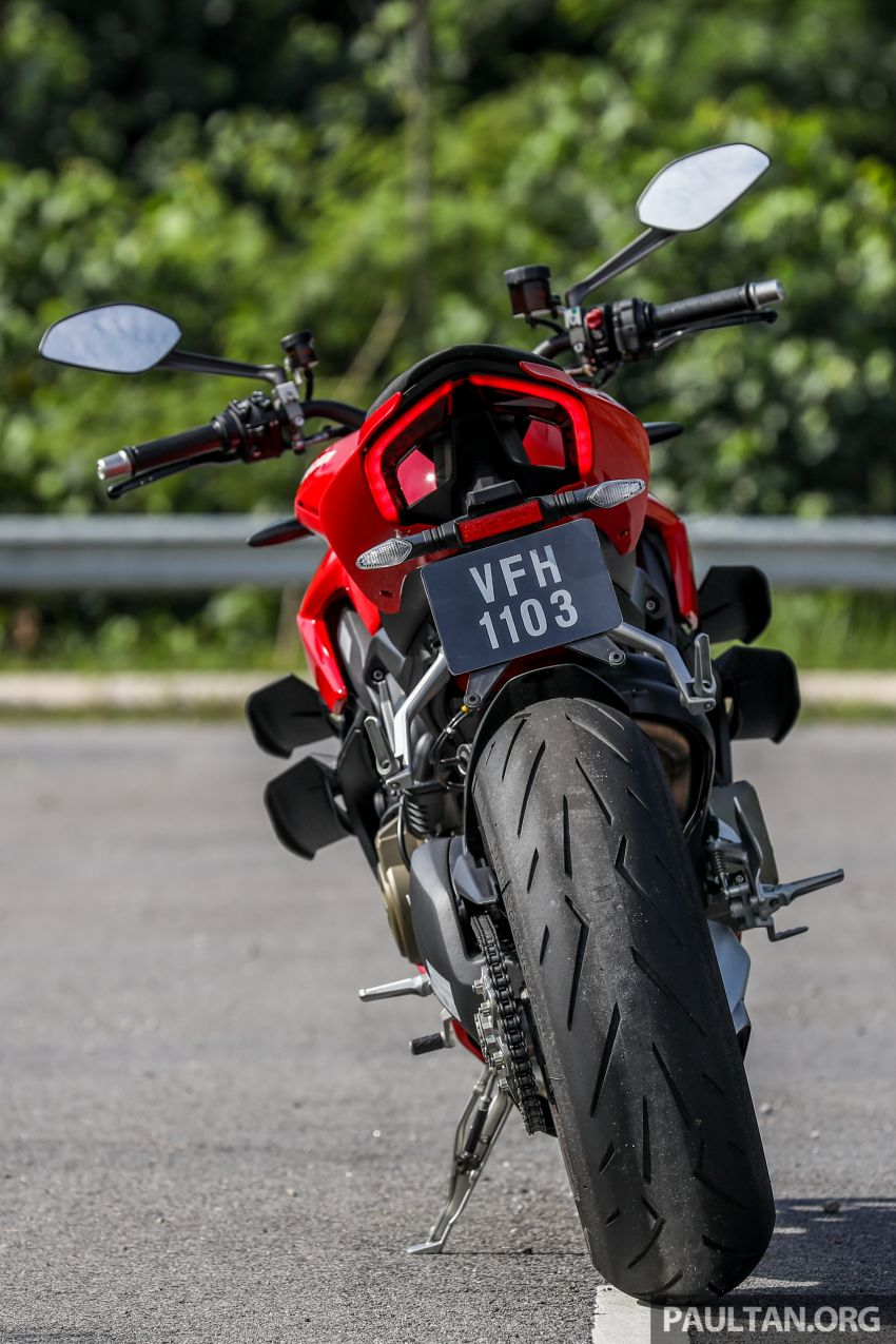 REVIEW: 2021 Ducati Streetfighter V4S, RM145,900 Image #1286881