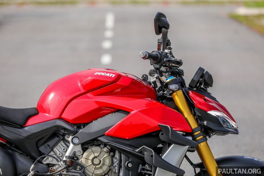 REVIEW: 2021 Ducati Streetfighter V4S, RM145,900 Image #1286882