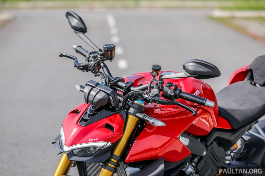REVIEW: 2021 Ducati Streetfighter V4S, RM145,900 Image #1286886