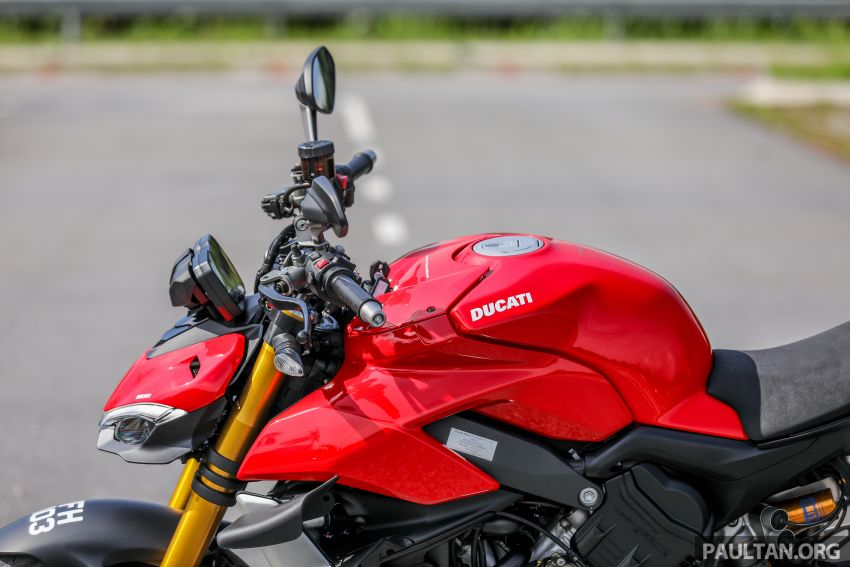 REVIEW: 2021 Ducati Streetfighter V4S, RM145,900 Image #1286887