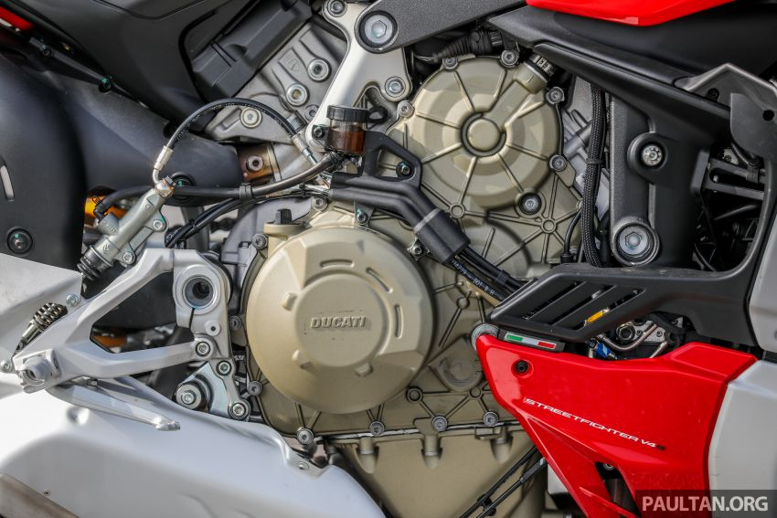 REVIEW: 2021 Ducati Streetfighter V4S, RM145,900 Image #1286896