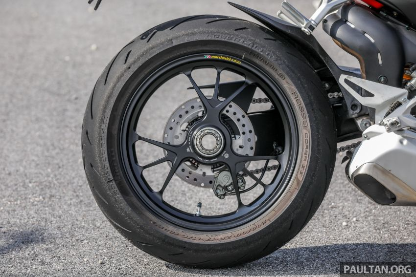 REVIEW: 2021 Ducati Streetfighter V4S, RM145,900 Image #1286907