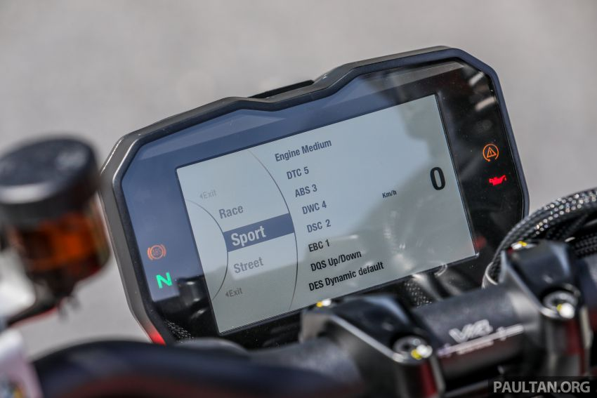REVIEW: 2021 Ducati Streetfighter V4S, RM145,900 Image #1286926