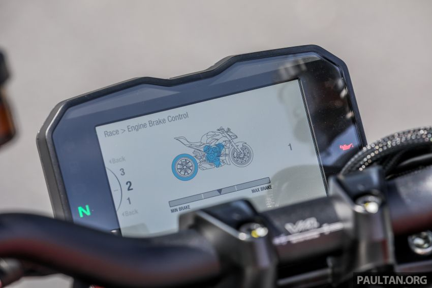 REVIEW: 2021 Ducati Streetfighter V4S, RM145,900 Image #1286934