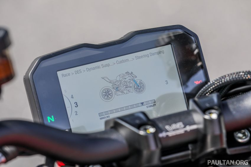 REVIEW: 2021 Ducati Streetfighter V4S, RM145,900 Image #1286937