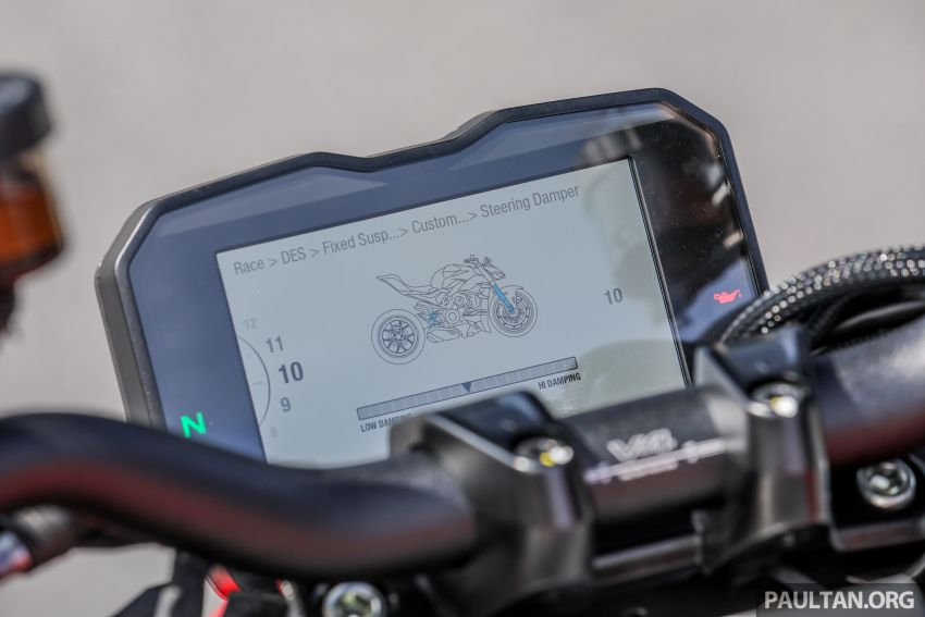 REVIEW: 2021 Ducati Streetfighter V4S, RM145,900 Image #1286943