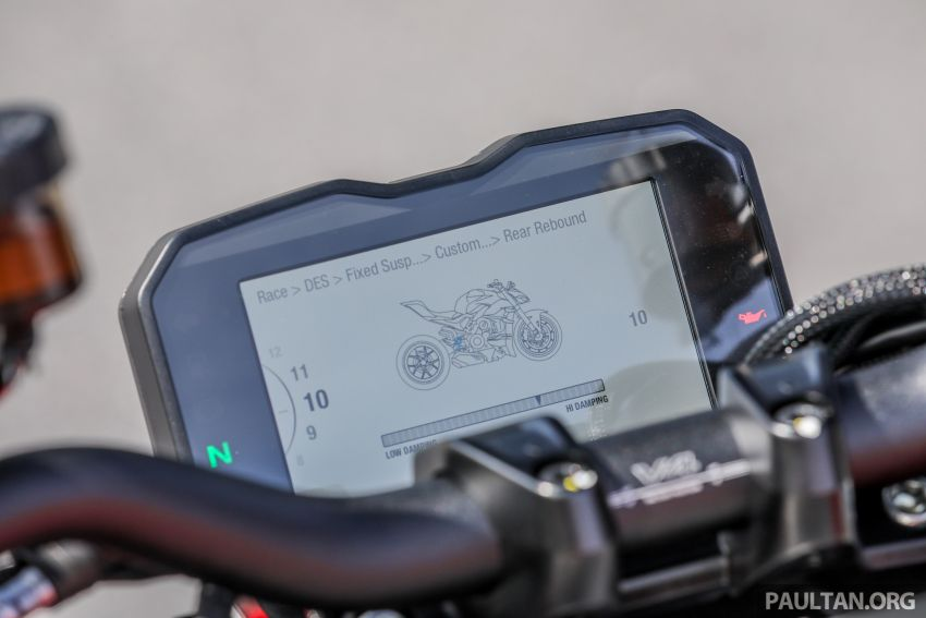 REVIEW: 2021 Ducati Streetfighter V4S, RM145,900 Image #1286944