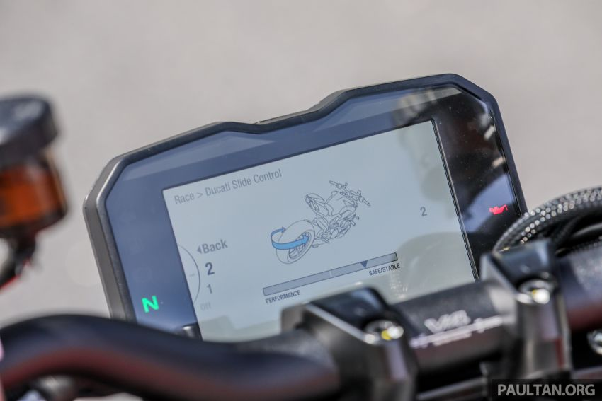 REVIEW: 2021 Ducati Streetfighter V4S, RM145,900 Image #1286946