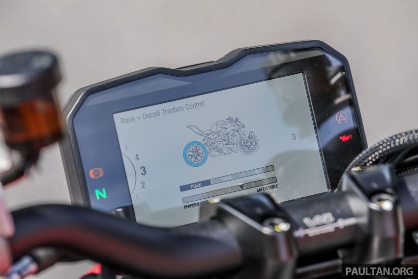 REVIEW: 2021 Ducati Streetfighter V4S, RM145,900 Image #1286947