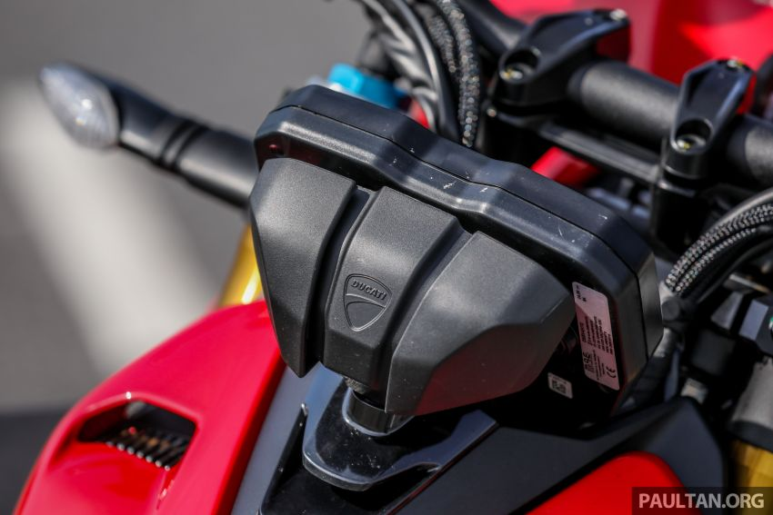 REVIEW: 2021 Ducati Streetfighter V4S, RM145,900 Image #1286948