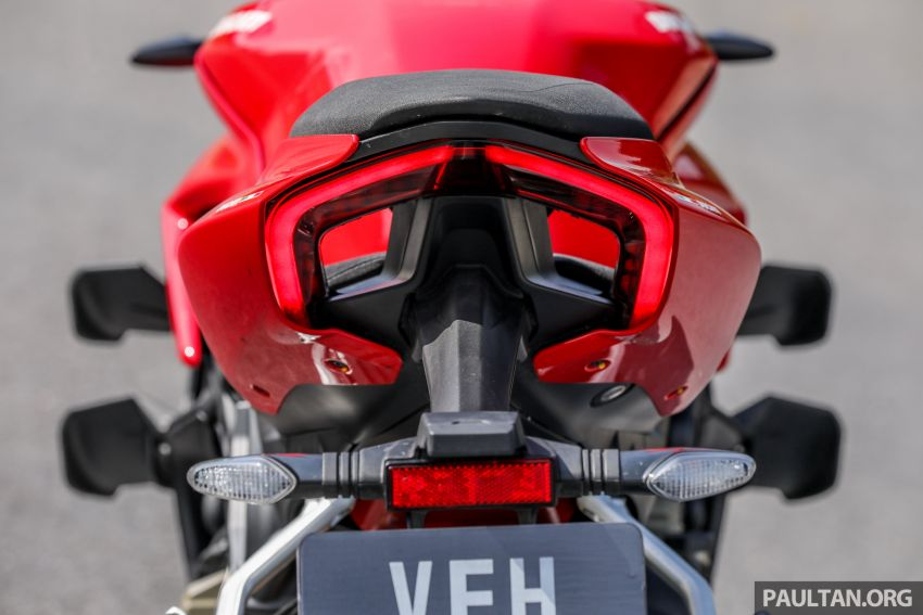 REVIEW: 2021 Ducati Streetfighter V4S, RM145,900 Image #1286955