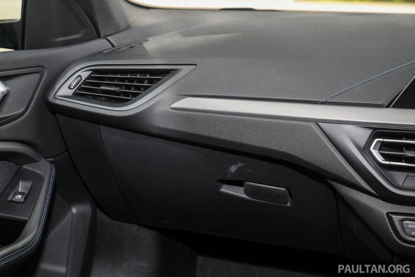 PANDU UJI: BMW 218i M Sport Gran Coupe memang menang gaya; prestasi pada skala sederhana Image #1274888