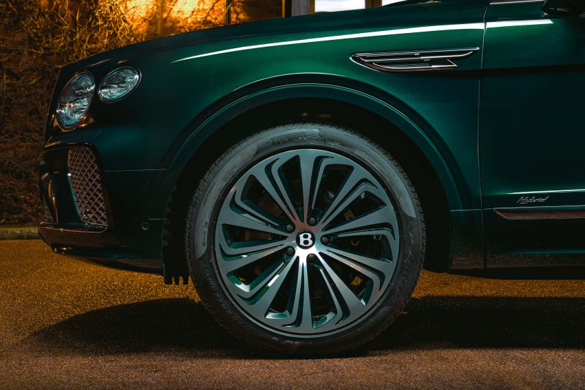 Bentley Bentayga Hybrid by Mulliner – one-off special for a customer in China, Viridian theme inside and out Image #1272391