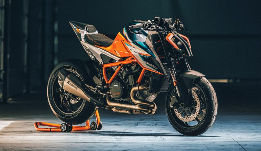 2021 KTM 1290 Super Duke RR limited edition – with carbon-fibre bodywork and enhanced electronics Image #1274795