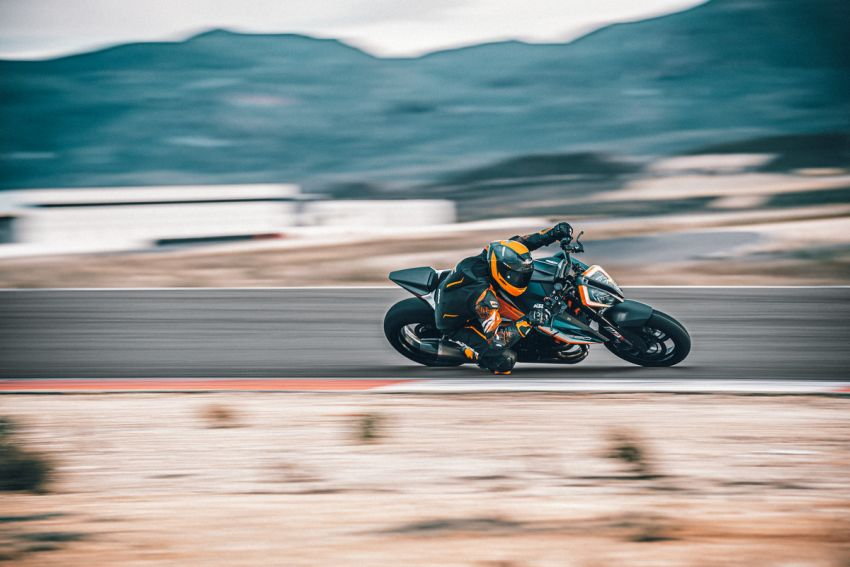 2021 KTM 1290 Super Duke RR limited edition – with carbon-fibre bodywork and enhanced electronics Image #1274785