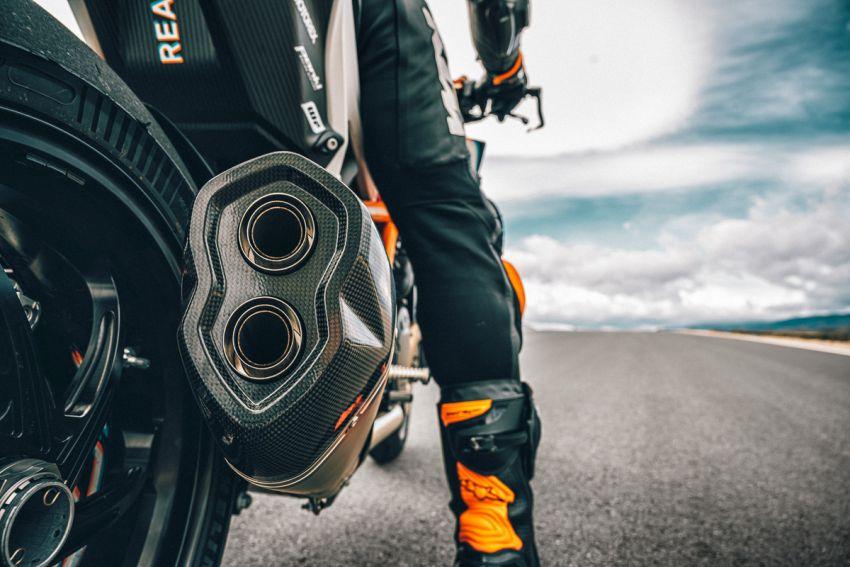 2021 KTM 1290 Super Duke RR limited edition – with carbon-fibre bodywork and enhanced electronics Image #1274788