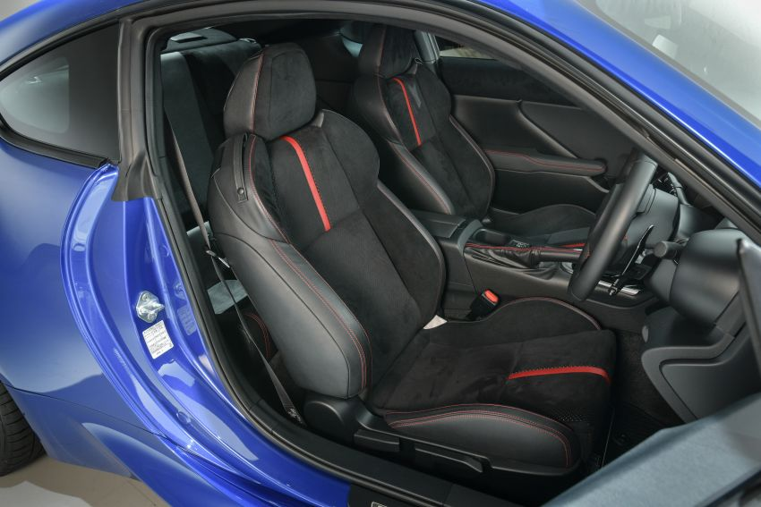 2021 Subaru BRZ revealed for Japan – 2.4L boxer four-cylinder with 235 PS; AT and MT; STI accessories Image #1273762
