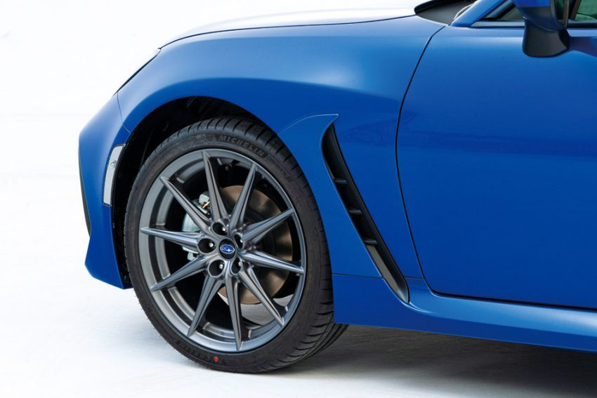 2021 Subaru BRZ revealed for Japan – 2.4L boxer four-cylinder with 235 PS; AT and MT; STI accessories Image #1273783