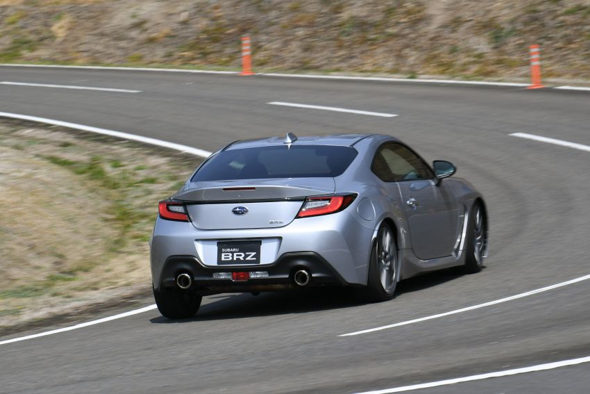 2021 Subaru BRZ revealed for Japan – 2.4L boxer four-cylinder with 235 PS; AT and MT; STI accessories Image #1273795