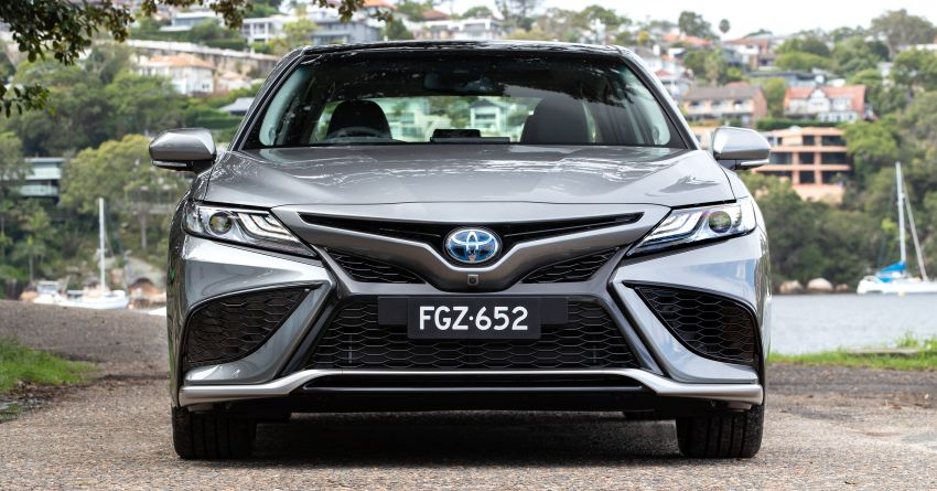 2021 Toyota Camry facelift officially launched in OZ – subtle nip and tuck, 2.5L hybrid with 218 PS, fr RM99k Image #1279508