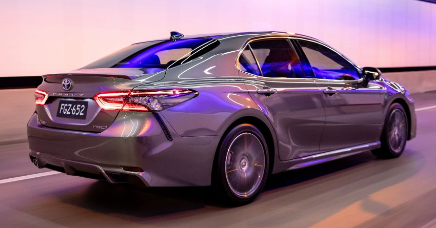 2021 Toyota Camry facelift officially launched in OZ – subtle nip and tuck, 2.5L hybrid with 218 PS, fr RM99k Image #1279495