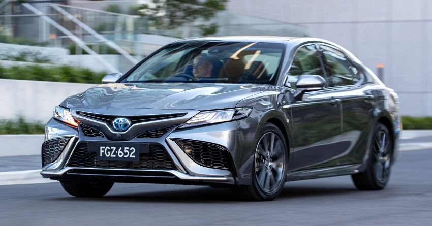 2021 Toyota Camry facelift officially launched in OZ – subtle nip and tuck, 2.5L hybrid with 218 PS, fr RM99k Image #1279496