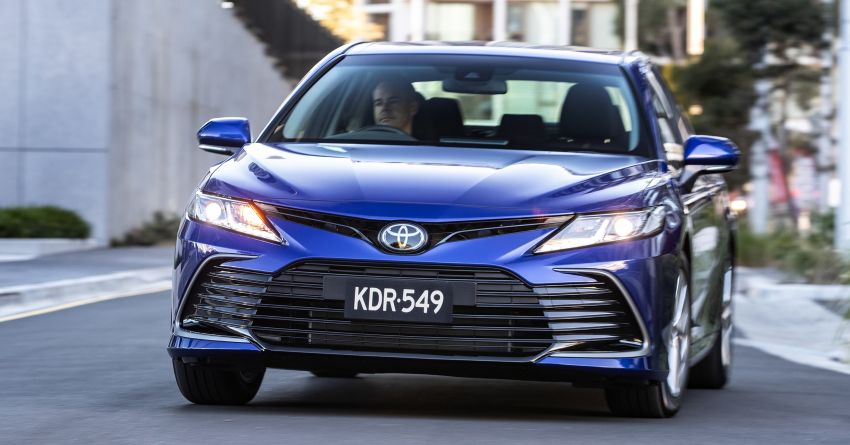 2021 Toyota Camry facelift officially launched in OZ – subtle nip and tuck, 2.5L hybrid with 218 PS, fr RM99k Image #1279498