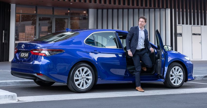2021 Toyota Camry facelift officially launched in OZ – subtle nip and tuck, 2.5L hybrid with 218 PS, fr RM99k Image #1279499