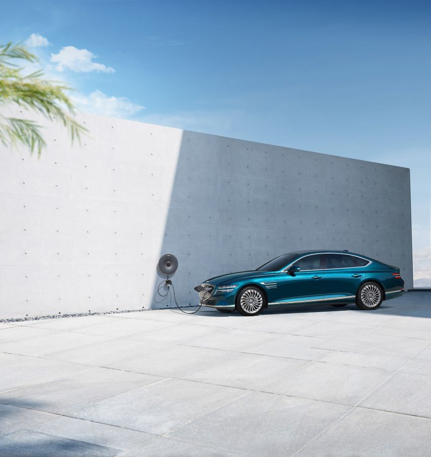 Genesis Electrified G80 debuts – 500 km NEDC range; 350 kW fast charging for 10-80% charge in 22 minutes Image #1283752