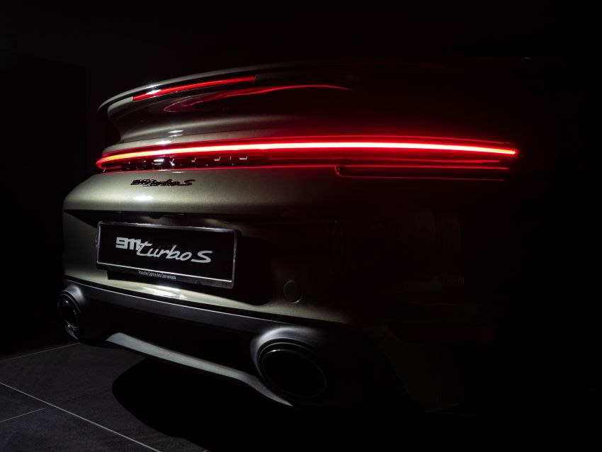 992 Porsche 911 Turbo S launched in Malaysia: 650 PS, 800 Nm, 0-100 km/h in 2.7 seconds, from RM2.2 million Image #1277409
