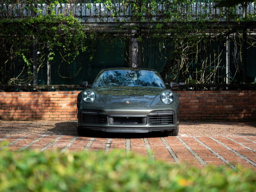 992 Porsche 911 Turbo S launched in Malaysia: 650 PS, 800 Nm, 0-100 km/h in 2.7 seconds, from RM2.2 million Image #1277400