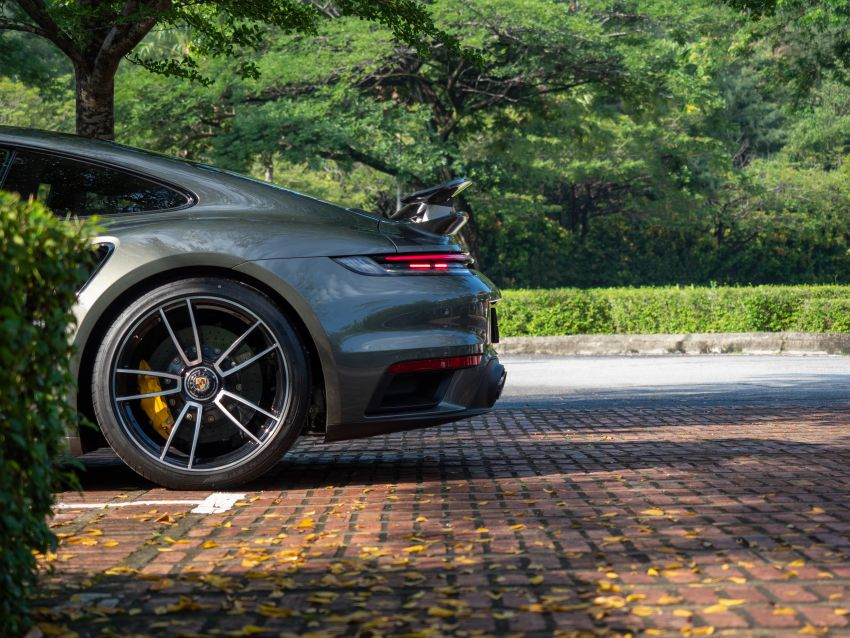 992 Porsche 911 Turbo S launched in Malaysia: 650 PS, 800 Nm, 0-100 km/h in 2.7 seconds, from RM2.2 million Image #1277401
