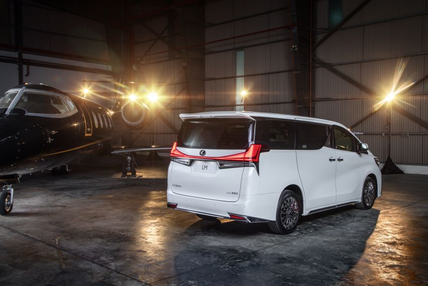 Lexus LM 350 launched in Malaysia – luxury 4-seater Alphard with limo rear seats, 26-inch TV,  RM1.1 million Image #1279733
