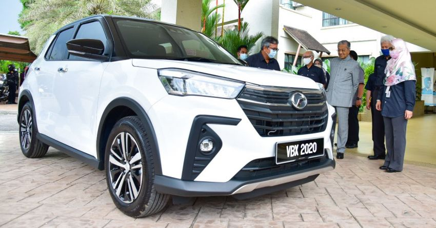 Tun Mahathir takes delivery of his new Perodua Ativa Image #1279510