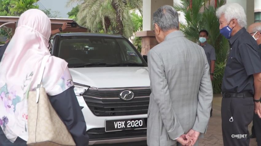 Tun Mahathir takes delivery of his new Perodua Ativa Image #1279511