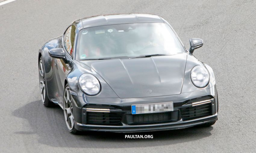 SPIED: Porsche 911 'Sport Classic' testing on track Image #1288171